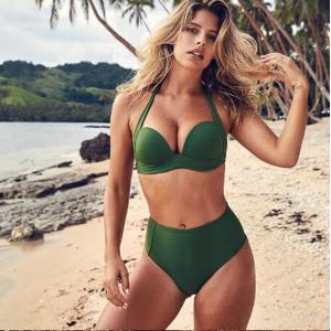 Зелёный купальник с завышенной талией