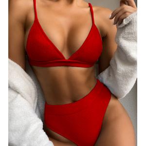 Красный завышенный купальник